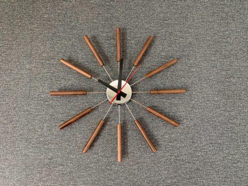 「web内覧会」アトラスの壁掛け時計をリビングに設置